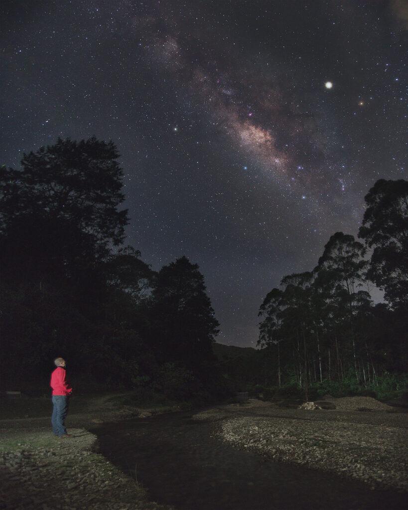 El hombre y las estrellas