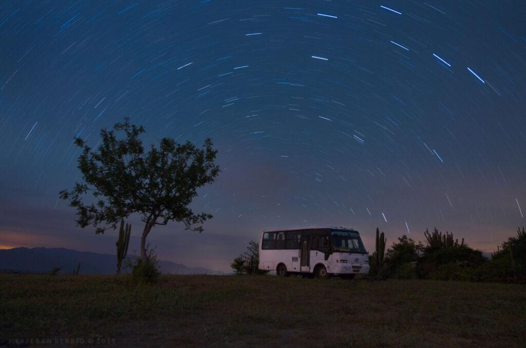 Star trails desierto La tatacoa